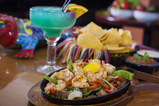 Bluemargaritaandfajitasgiresized